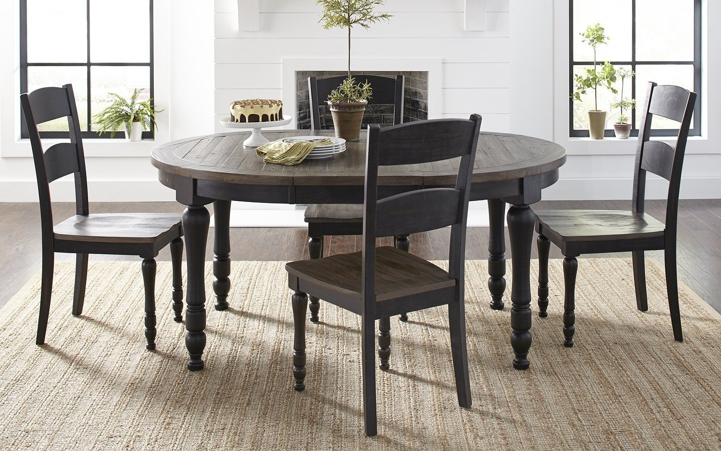 Madison County Round to Oval Dining Room Set (Vintage Black) by