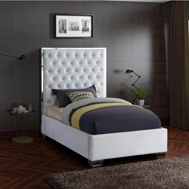 Lexi Youth Upholstered Platform Bed White By Meridian Furniture Furniturepick