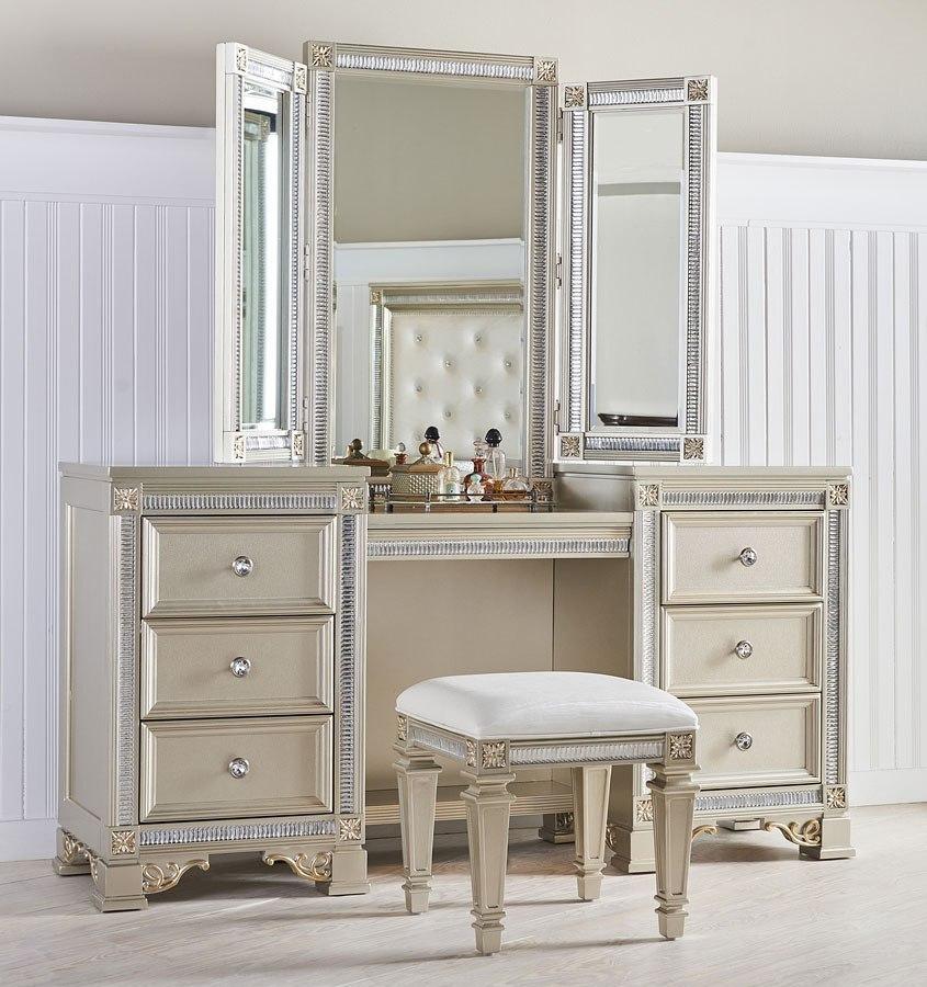 Tiffany Panel Bedroom Set