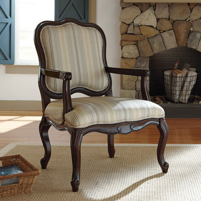 Hindell Park Putty Showood Accent Chair Signature Design