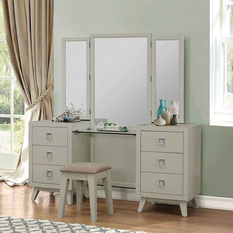 Valpico Panel Bedroom Set