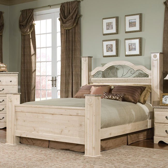 Seville Poster Bed Queen By Standard Furniture