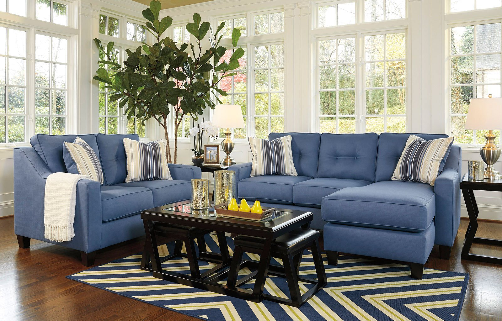 Merveilleux Aldie Nuvella Blue Living Room Set