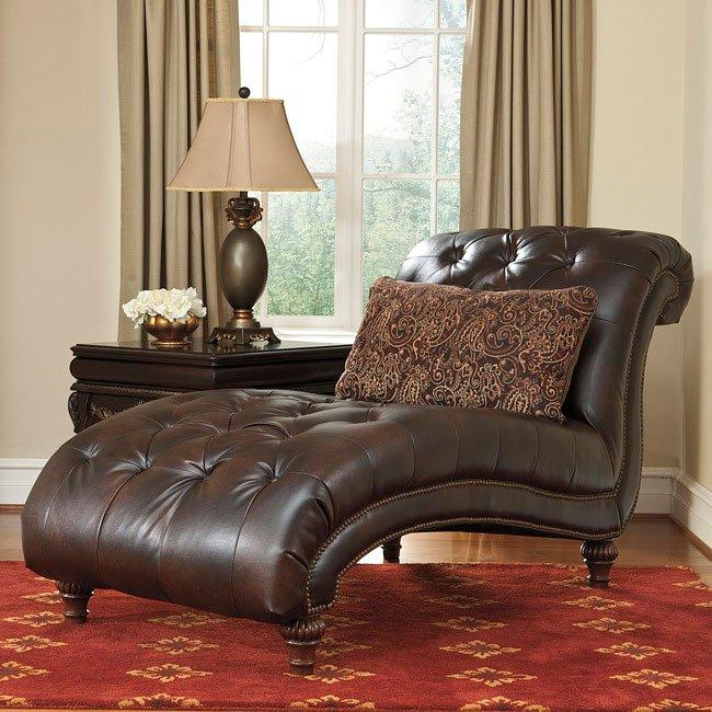 Maddielynn Square Auburn Living Room Set By Benchcraft