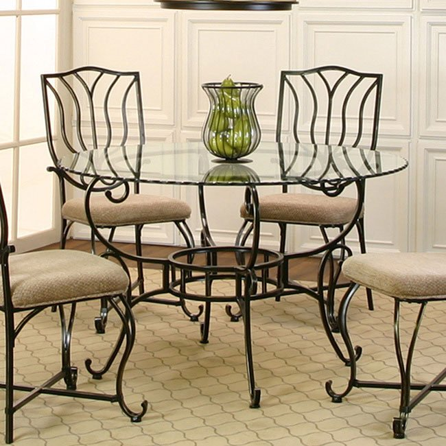 Waverly Round Dining Table