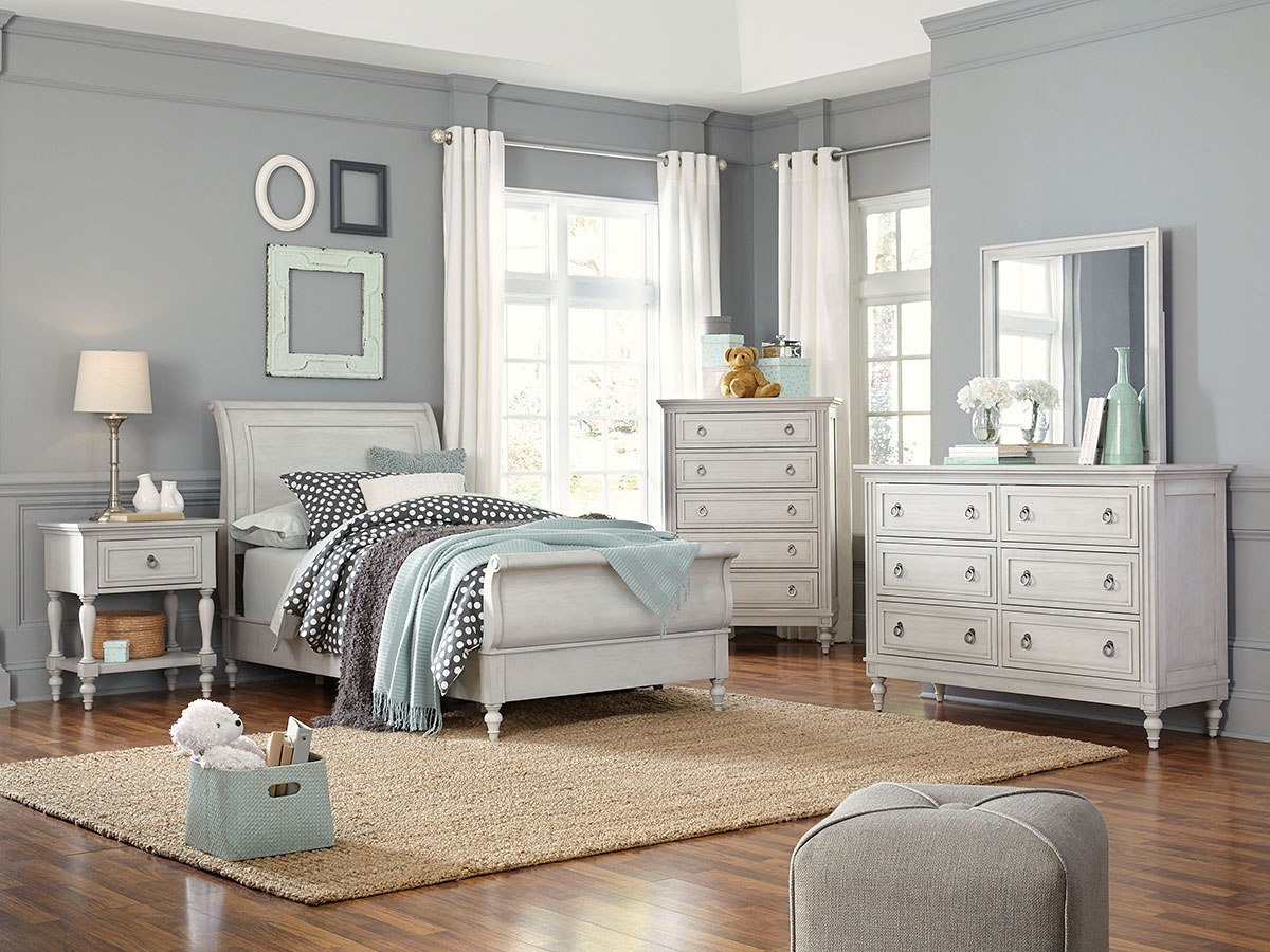 sarah youth sleigh bedroom set by standard furniture furniturepick. Black Bedroom Furniture Sets. Home Design Ideas