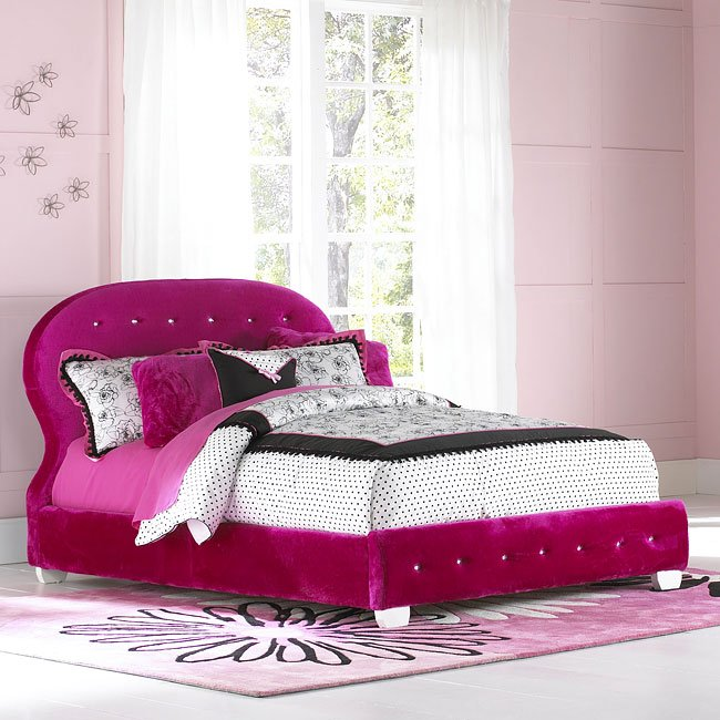 Marilyn Bedroom Set W Watermelon Bed By Standard Furniture Furniturepick