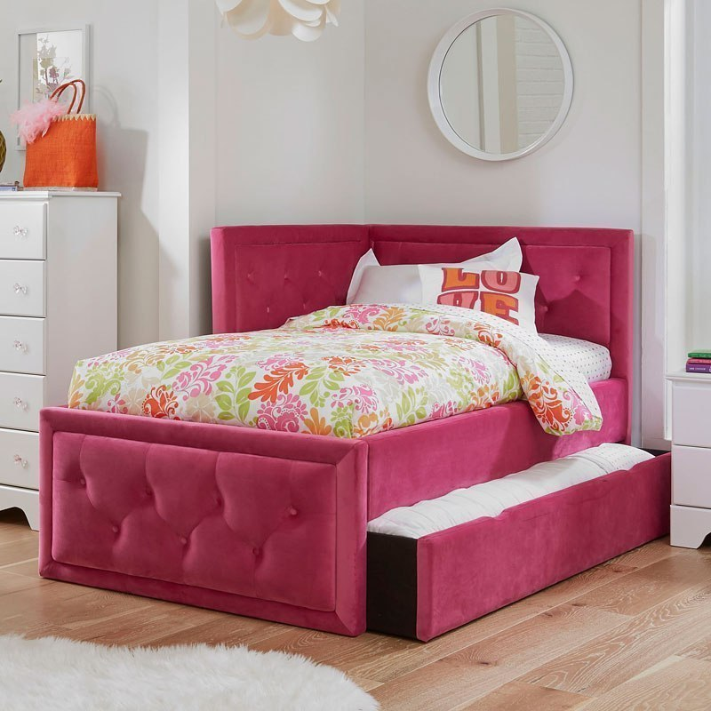 Avery Corner Bed W Trundle