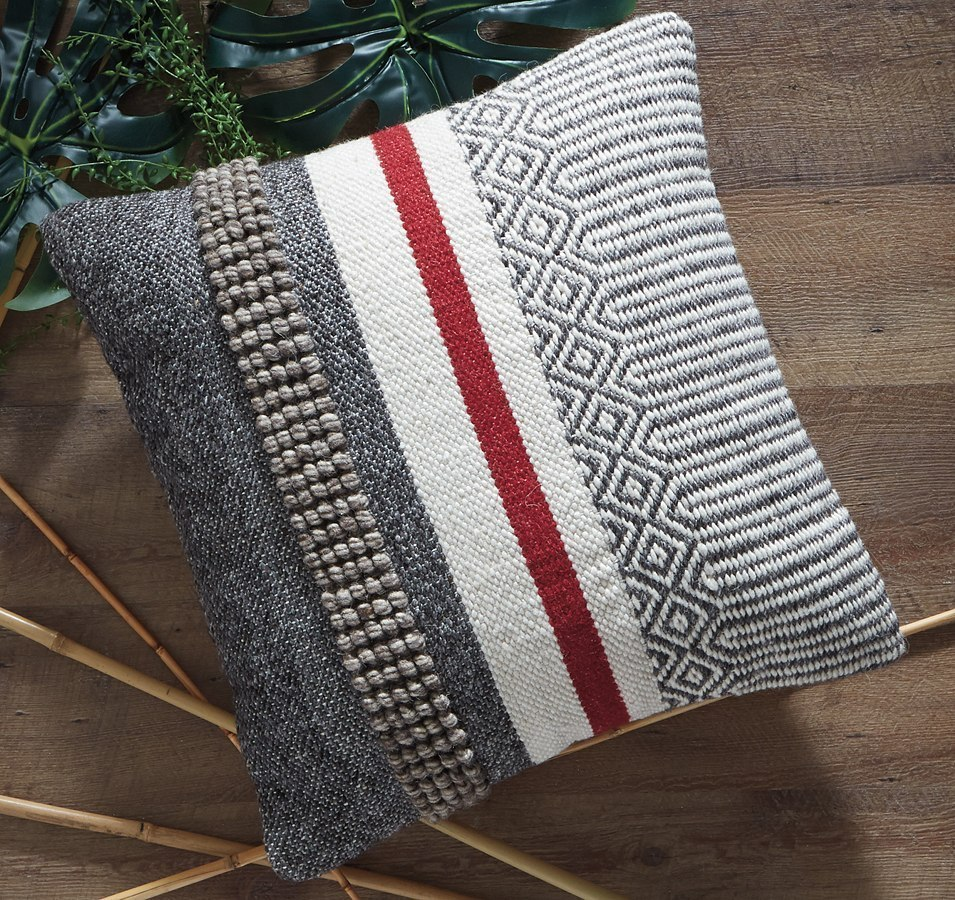Jevin Pillow (Set Of 4) By Signature Design By Ashley