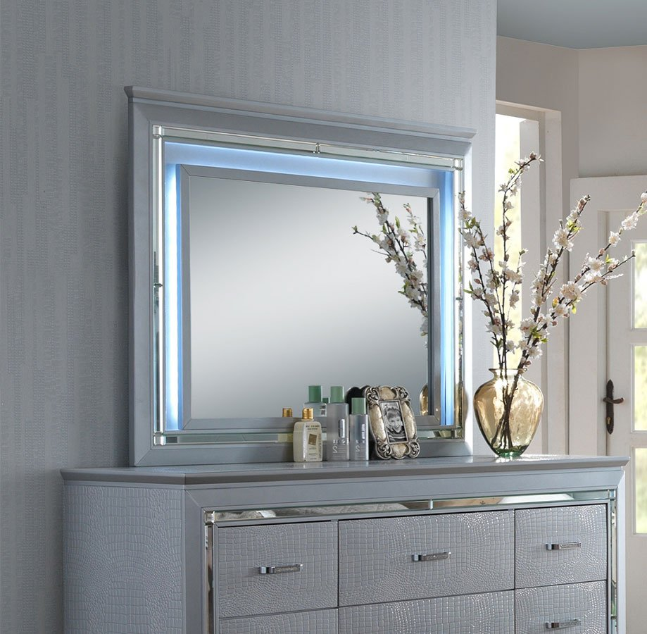 Lillian Mirror By Crown Mark Furniture