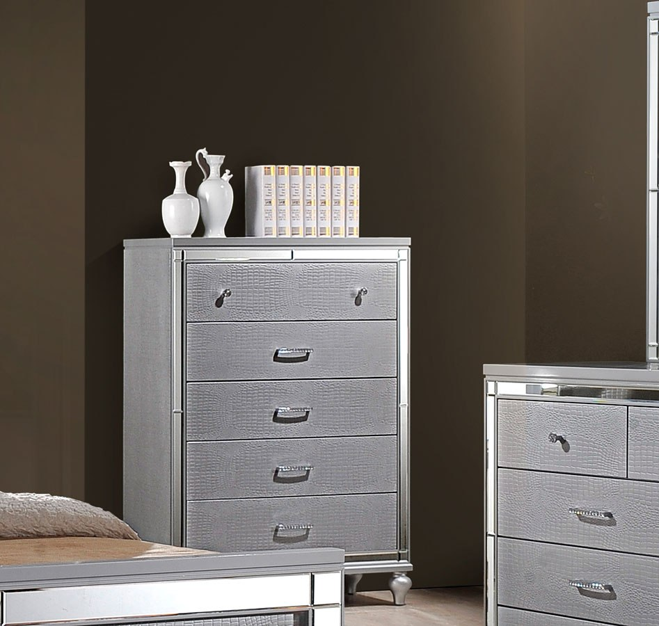 Valentino Panel Bedroom Set By New Classic Furniture