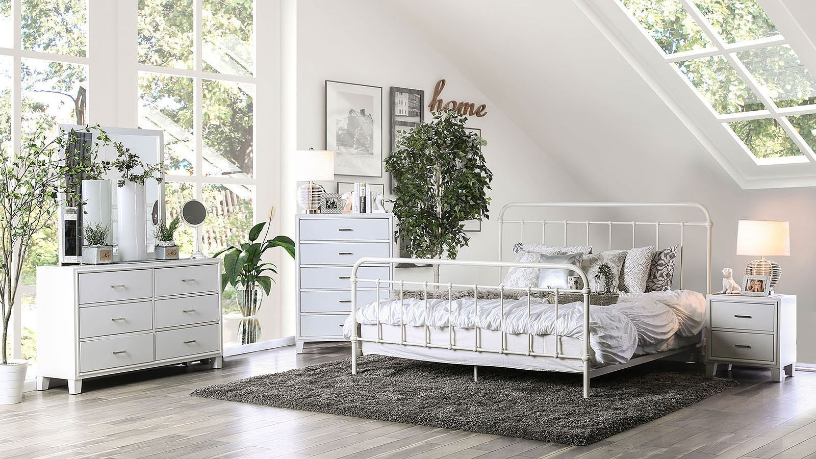 Iria Metal Bedroom Set (Vintage White)