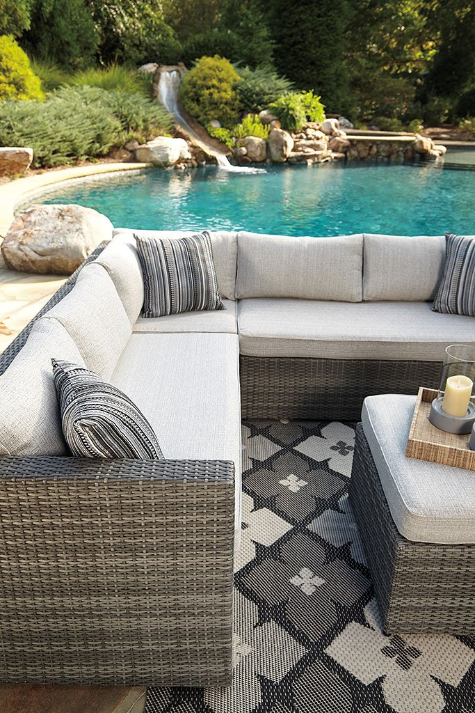 Peckham Park 4 Piece Outdoor Sectional Set By Signature Design By