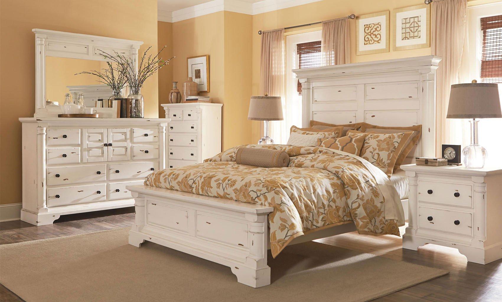 Gramercy Park Panel Bedroom Set (Aged White)