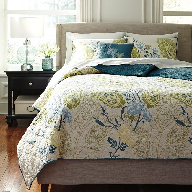 Paislette quilt teal bedding set bedding sets bedding bedroom for Quilted headboard bedroom sets