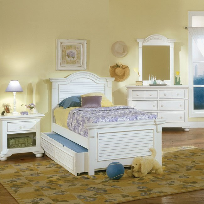 Cottage Traditions Youth Panel Bedroom Set (White