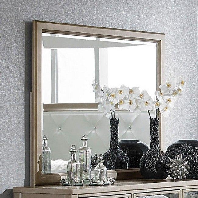 Odelia Mirror