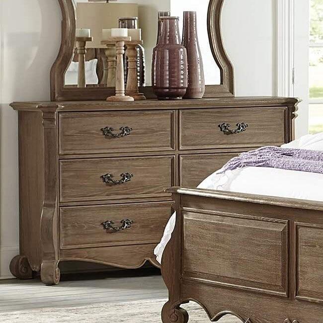 Chrysanthe Dresser