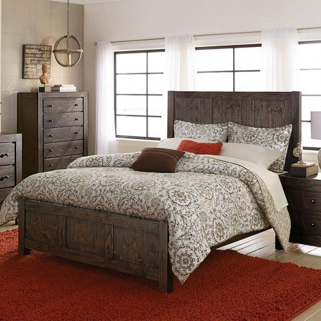 Farrin Panel Bed