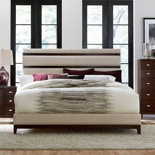 Pelmar Upholstered Bed