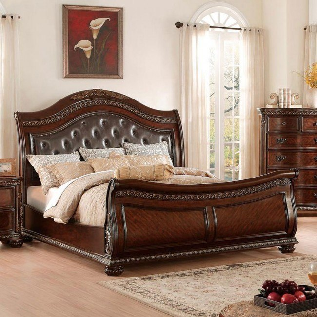 Chaumont Sleigh Bed