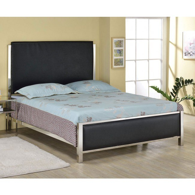 Johanna Upholstered Bed