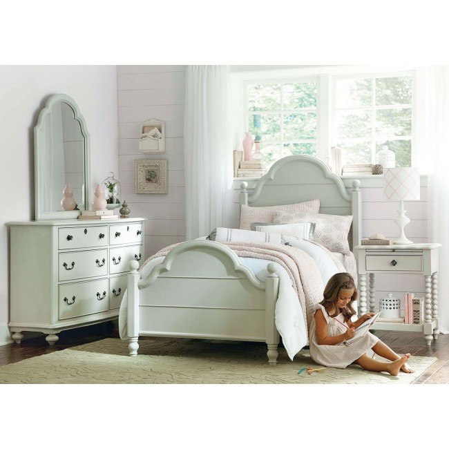 Inspirations Westport Low Post Bedroom Set (Mist Gray)