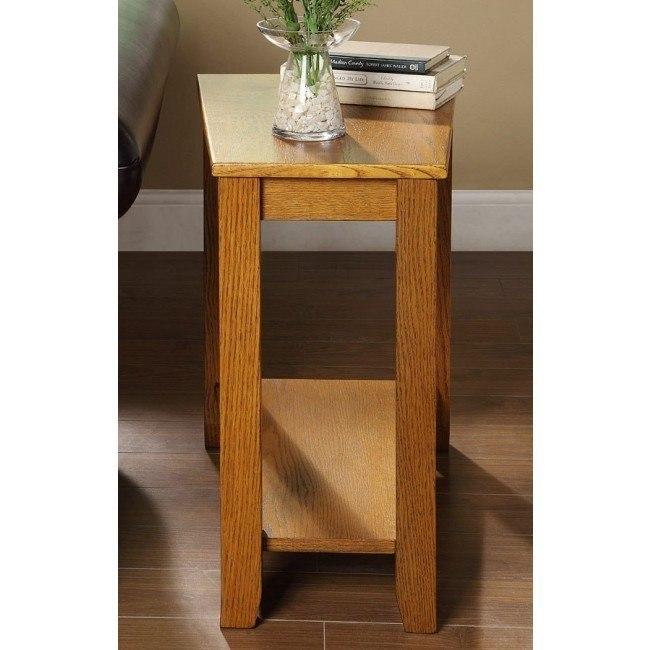 Elwell Chairside Table (Oak)