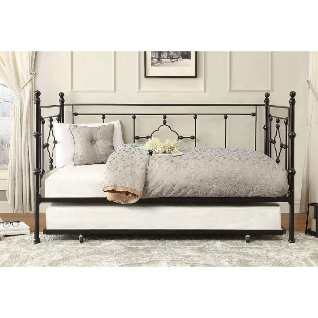 Auberon Metal Daybed w/ Trundle
