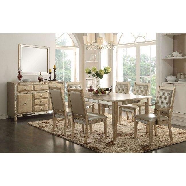 Voeville Dining Room Set