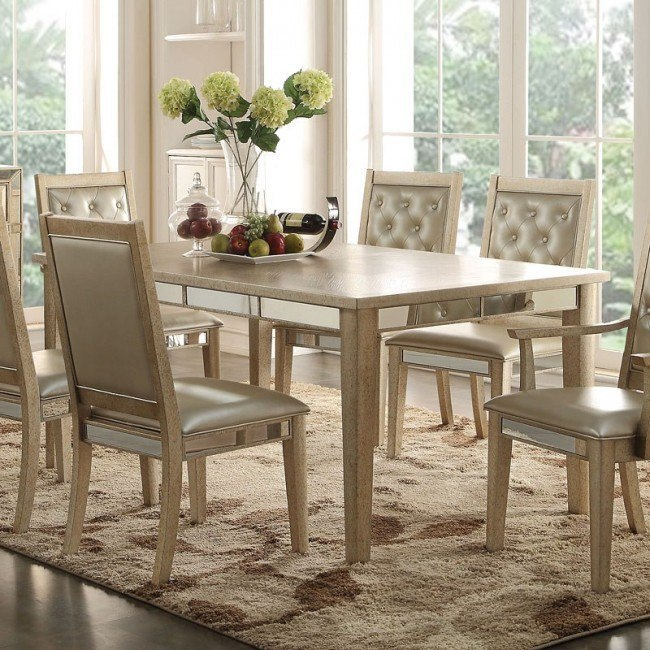 Voeville Dining Table