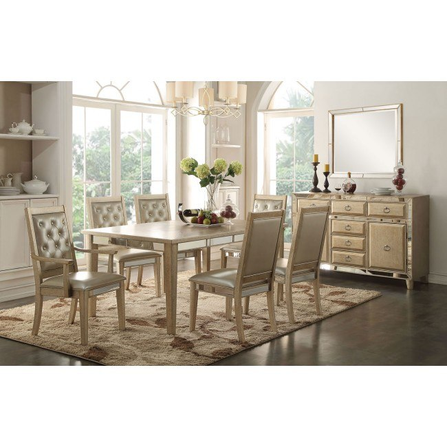 Voeville Extension Dining Room Set