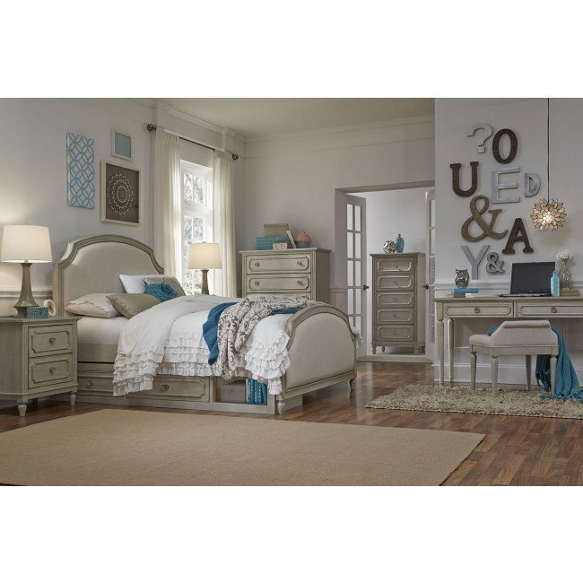 Emma Upholstered Panel Bedroom Set