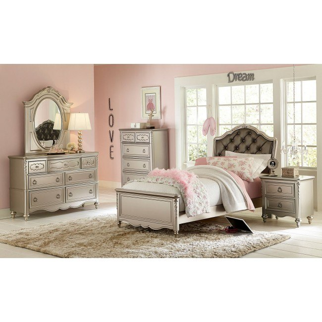 Sterlin Panel Bedroom Set