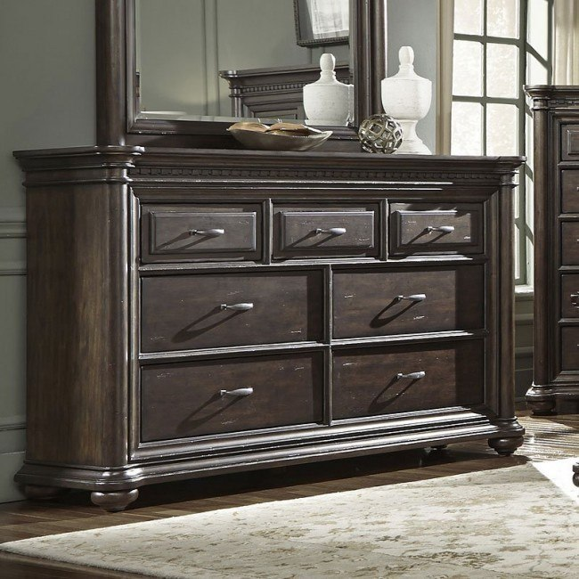 Grand Manor Dresser