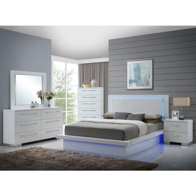 Sapphire Platform Bedroom Set By New Classic Furniture Furniturepick