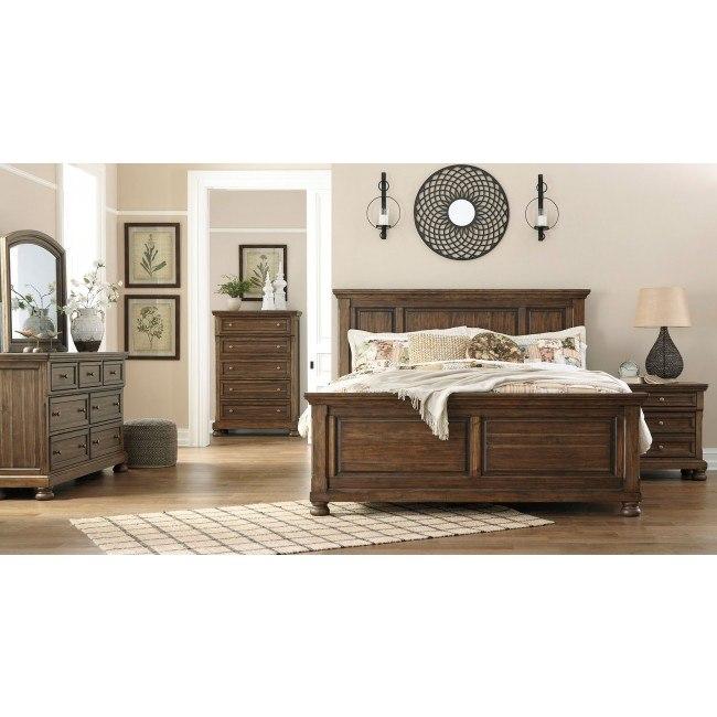 Flynnter Panel Bedroom Set