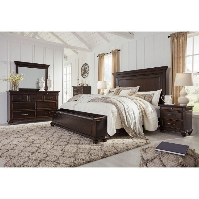 Brynhurst Storage Bedroom Set