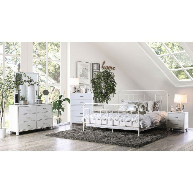 Iria Metal Bedroom Set (Vintage White)