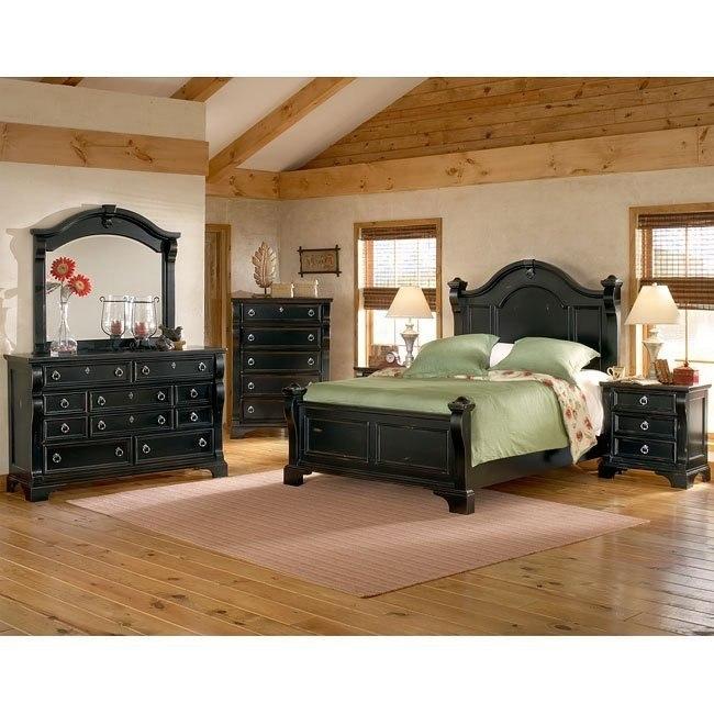 Heirloom Low Post Bedroom Set