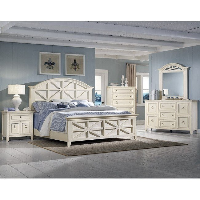 Courtyard Panel Bedroom Set (Champagne)