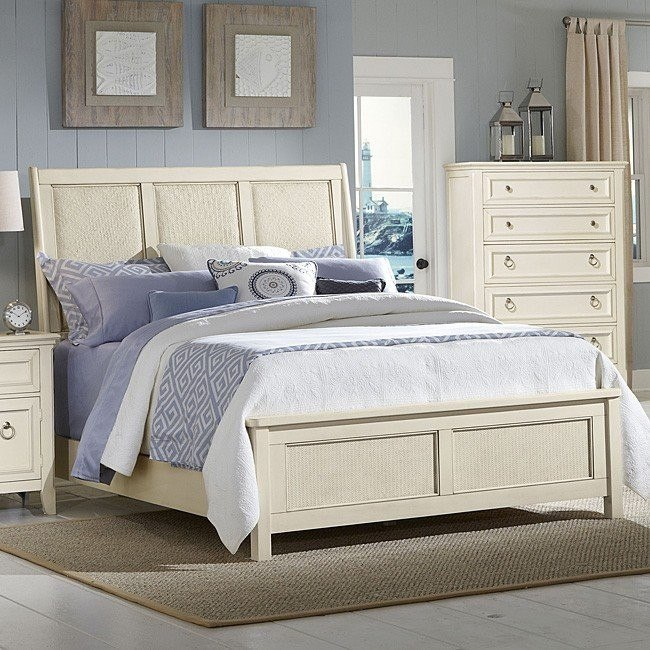 Courtyard Sleigh Bed (Champagne)