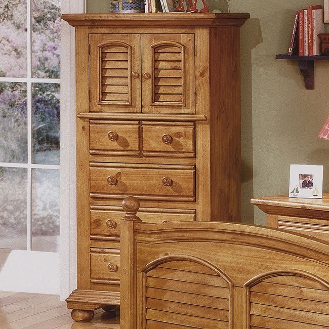Cottage Traditions Lingerie Chest (Sandstone)