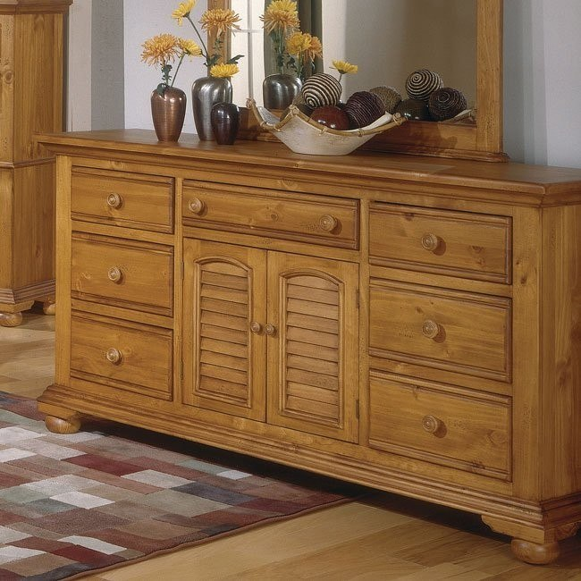 Cottage Traditions Triple Dresser (Sandstone)