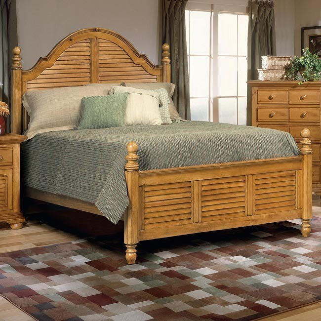 Cottage Traditions Poster Bed (Sandstone)