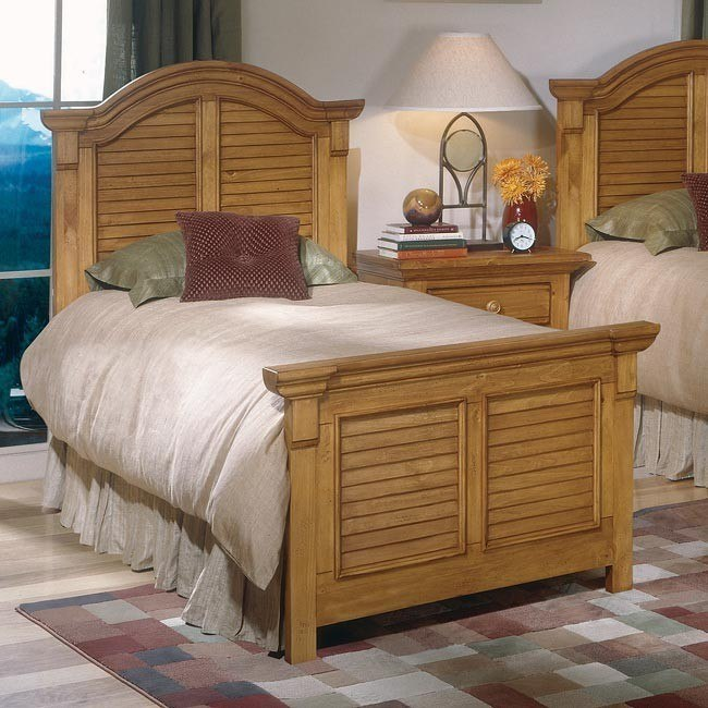 Cottage Traditions Youth Panel Bed (Sandstone)