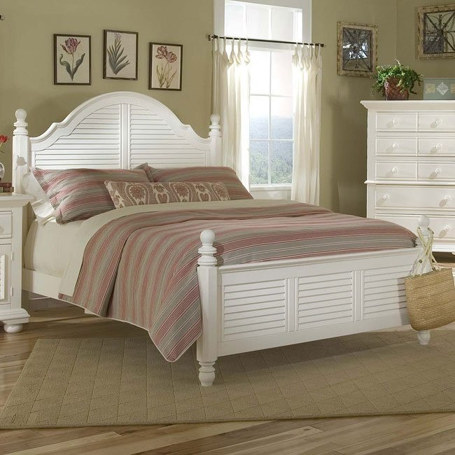 Cottage Traditions Poster Bed (White)