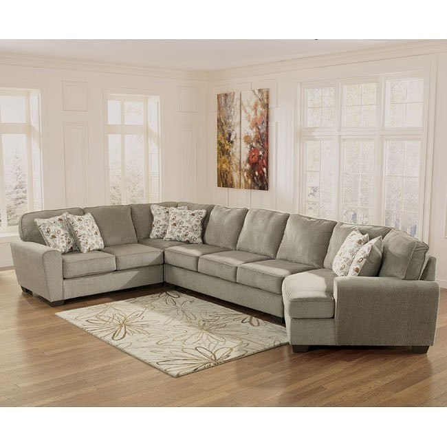 Patola Park Patina Large Sectional w/ Cuddler