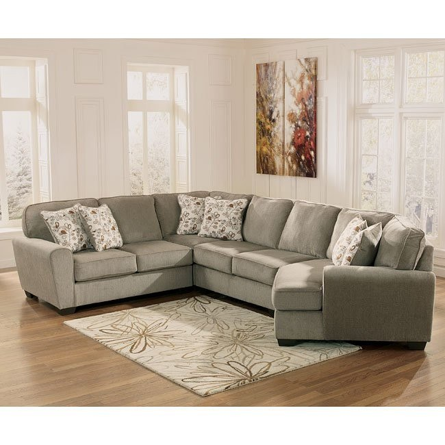 Patola Park Patina Sectional w/ Cuddler