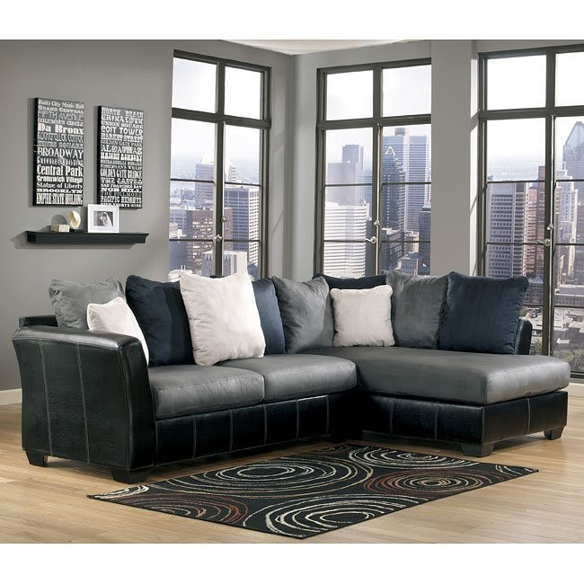 Cobblestone Sectional W/ Right Facing Chaise